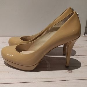 🌸👠Beige heels by Michael Kors 🌸🌺👠